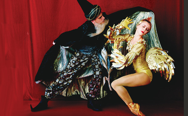 Skylar Brandt and Duncan Lyle in <I>The Golden Cockerel</I> publicity image.<br />© Fabrizio Ferri. (Click image for larger version)