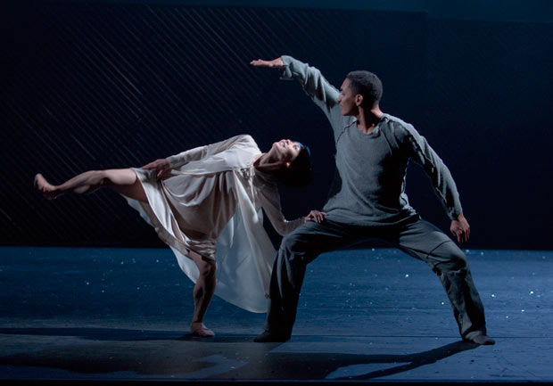 Mariko Kida and Anthony Lomuljo in Mats Ek's <I>Juliet and Romeo</I>.<br />© Gert  Weigelt. (Click image for larger version)