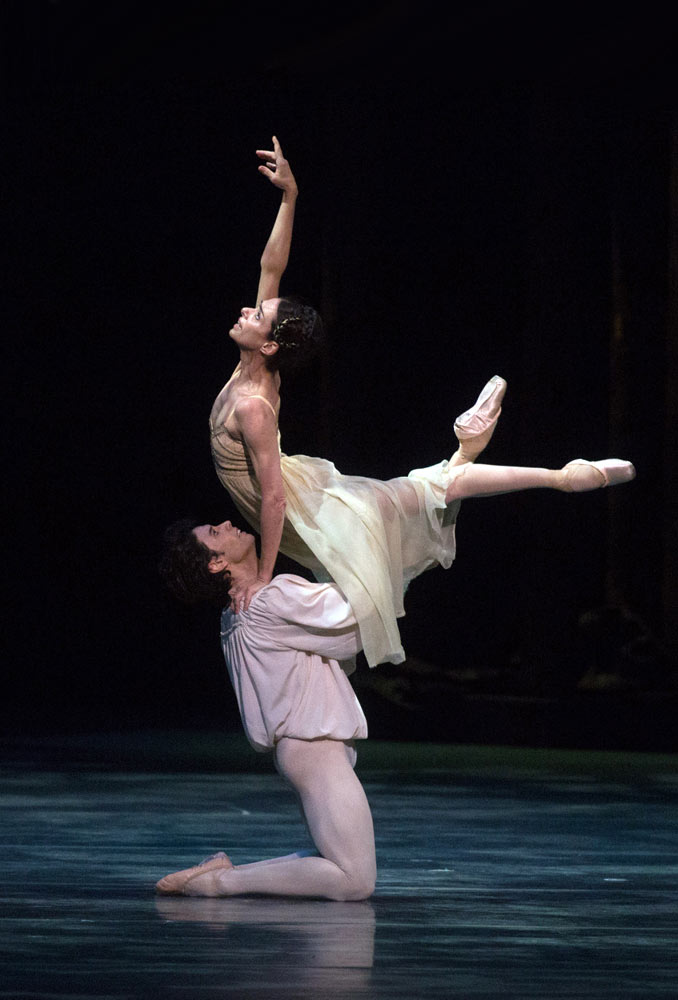 Alessandra Ferri and Herman Cornejo in Romeo and Juliet.© Rosalie O'Connor. (Click image for larger version)