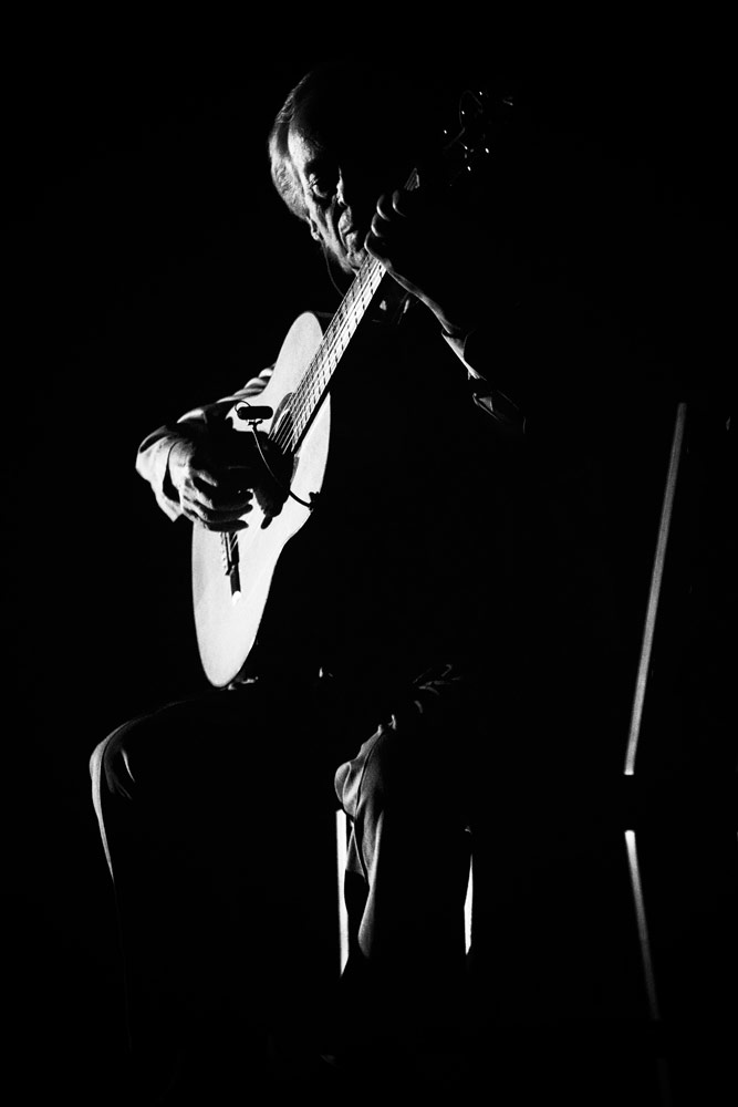 Paco Peña.© Andy Phillipson. (Click image for larger version)