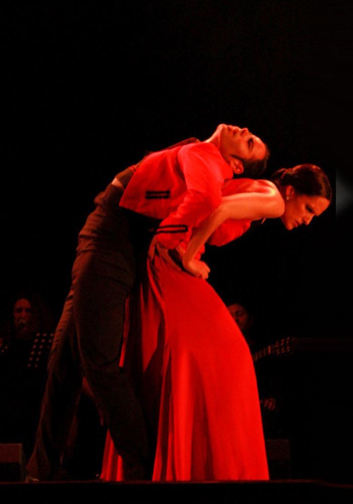 Maria Vega Dance Company in A Dancer's Journey.© David Cancelado. (Click image for larger version)