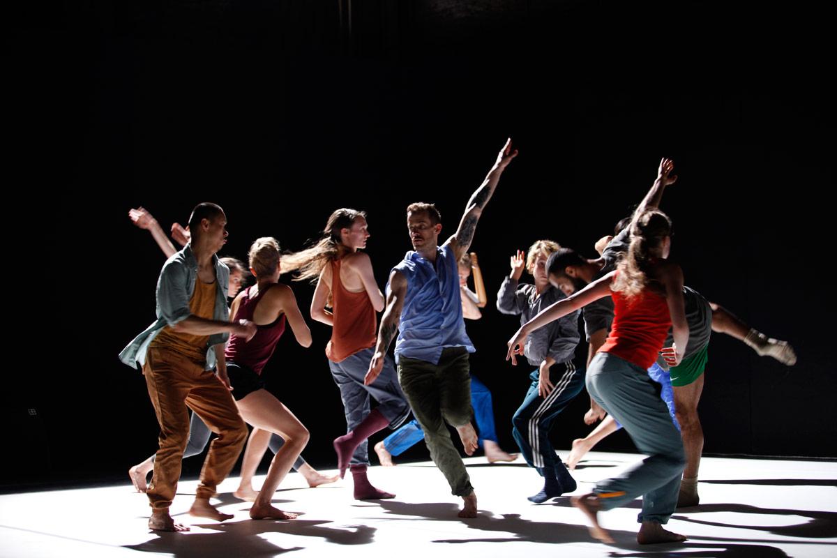 Emanuel Gat's <I>Sunny</I>.<br />© Emanuel Gat Dance. (Click image for larger version)