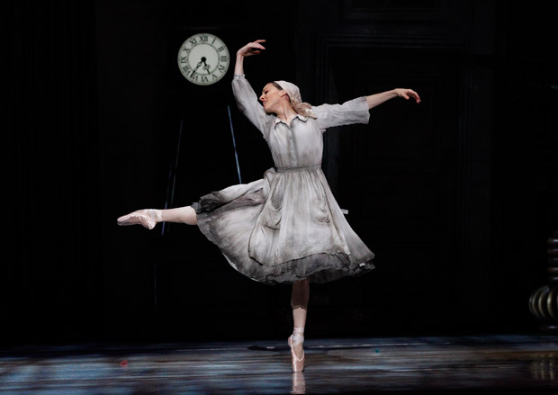 Leanne Stojmenov in Alexei Ratmansky's <I>Cinderella</I>.<br />© Jeff Busby. (Click image for larger version)