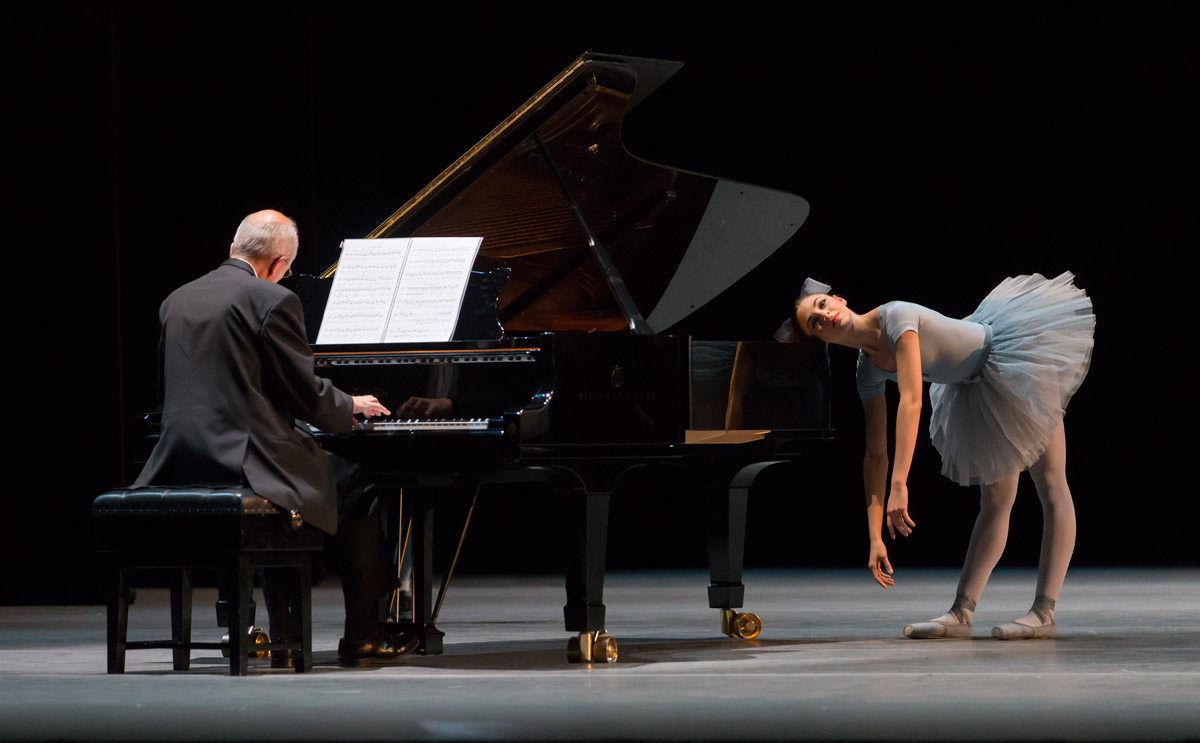 Arianna Maldini and pianist Jonathan Higgins in <I>Mistake Waltz</I>.<br />© Johan Persson. (Click image for larger version)