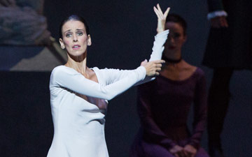 Sonia Rodriguez in The Winter's Tale.© Aleksandar Antonijevic. (Click image for larger version)