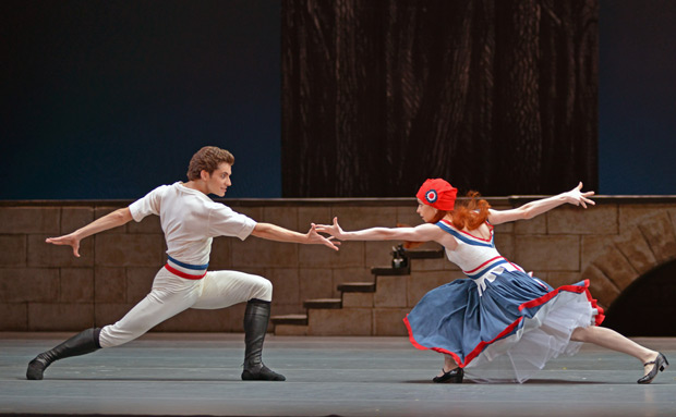 Igor Tsvirko and Ekaterina Krysanova in <I>Flames of Paris</I>.<br />© Dave Morgan. (Click image for larger version)