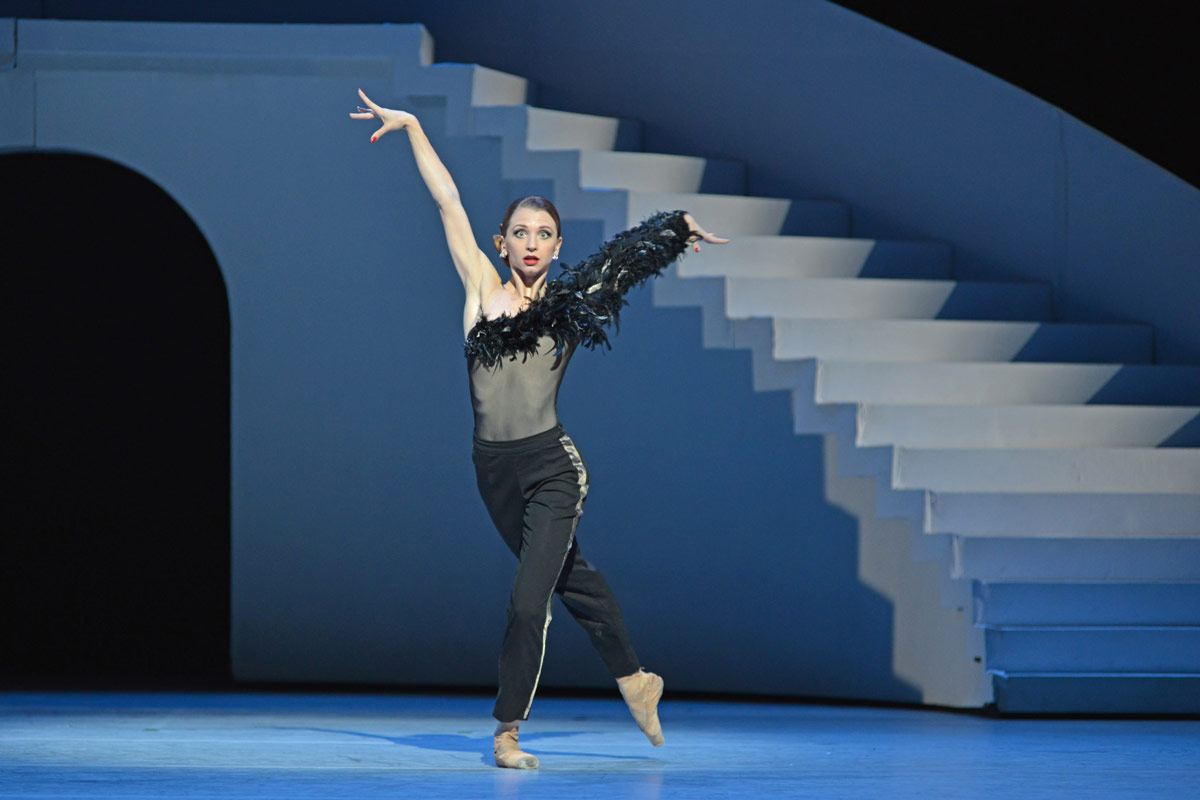 Anna Tikhomirova in Taming of the Shrew.© Dave Morgan. (Click image for larger version)