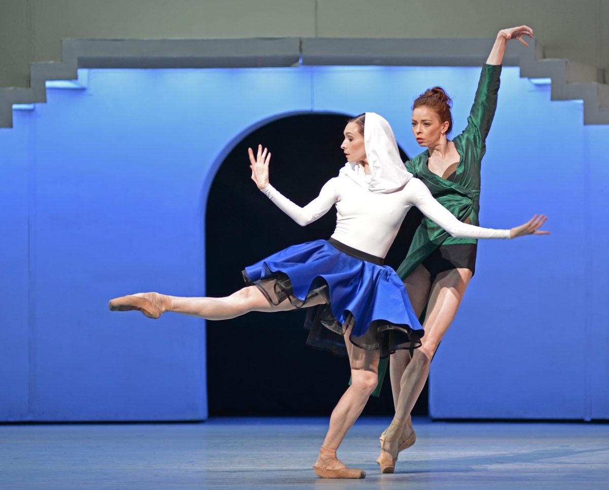 Olga Smirnova and Ekaterina Krysanova in <I>Taming of the Shrew</I>.<br />© Dave Morgan. (Click image for larger version)