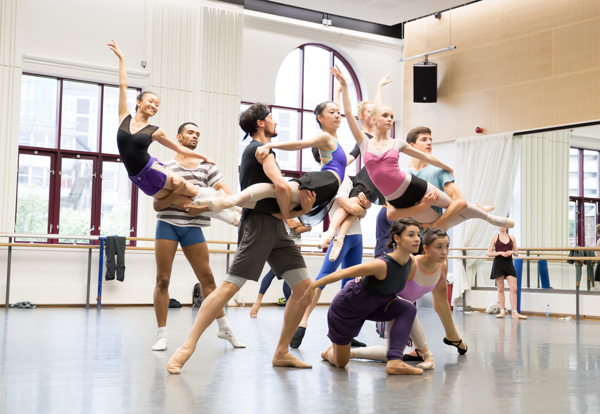 Birmingham Royal Ballet in the studio rehearsing The Tempest.© Andy Ross. (Click image for larger version)