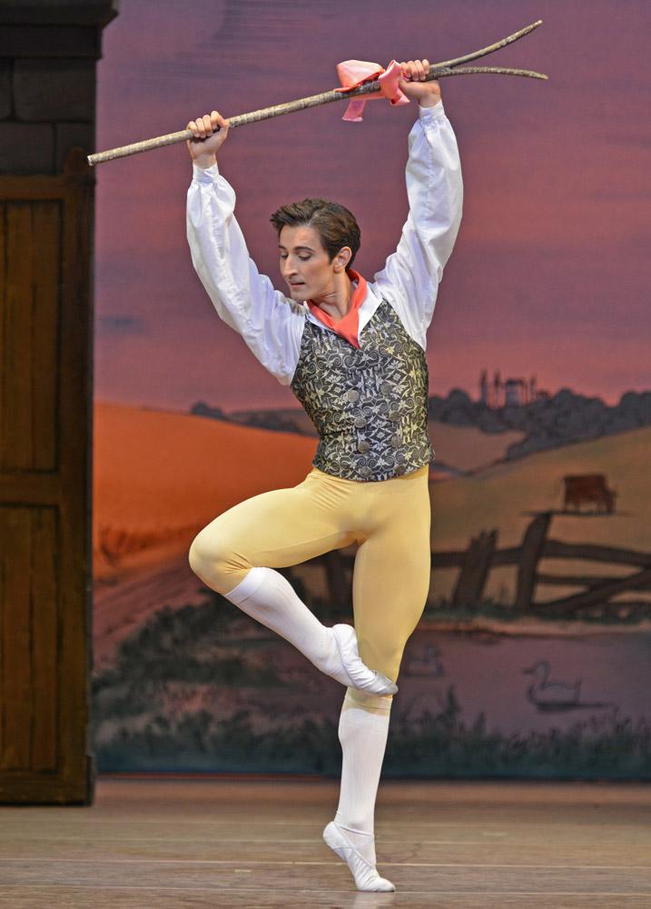 Valentino Zucchetti in <I>La Fille mal gardee</I>.<br />© Dave Morgan, courtesy the Royal Opera House. (Click image for larger version)