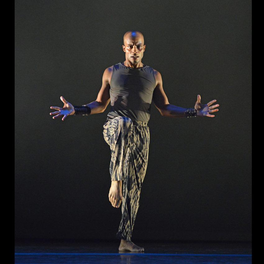 Vernard J Gilmore in Ronald K. Brown's Four Corners.© Dave Morgan. (Click image for larger version)