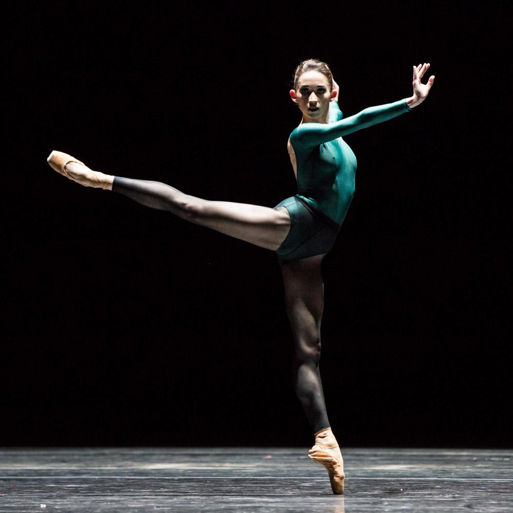 Madeline Skelly of Houston Ballet in Forsythe's <I>Artifact Suite</I>.<br />© Amitava Sarkar. (Click image for larger version)
