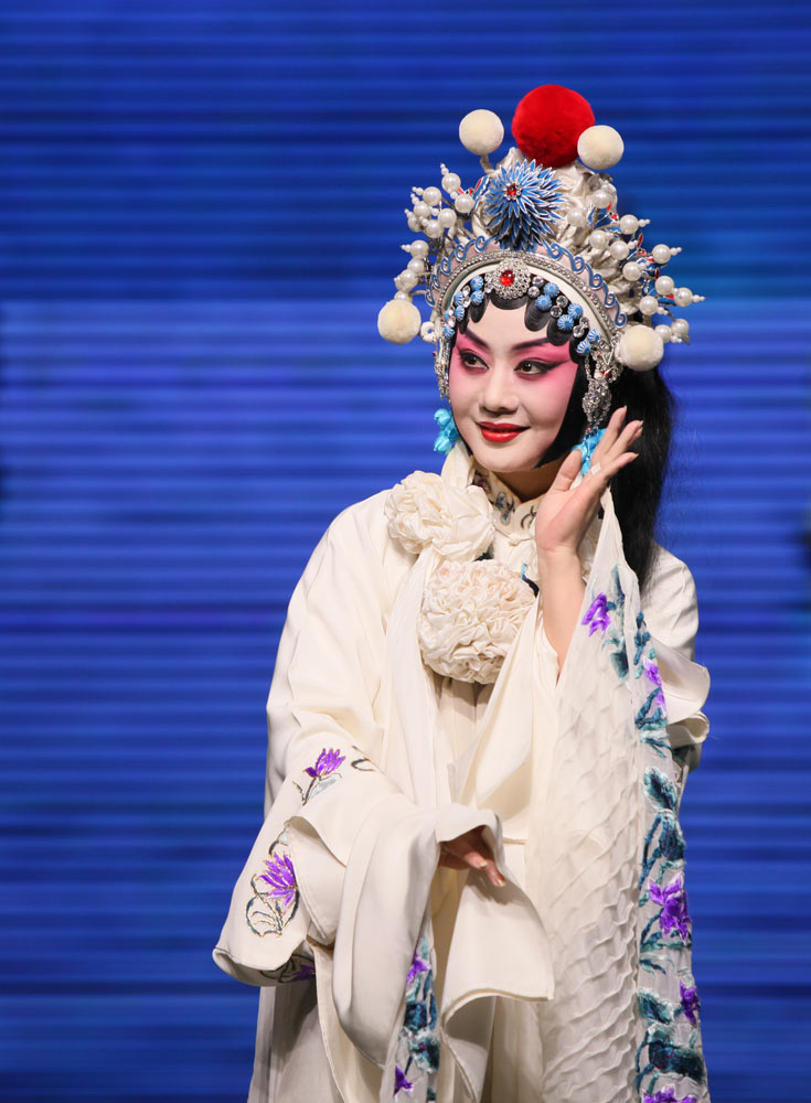 China National Peking Opera Company in The Legend of the White Snake.© . (Click image for larger version)