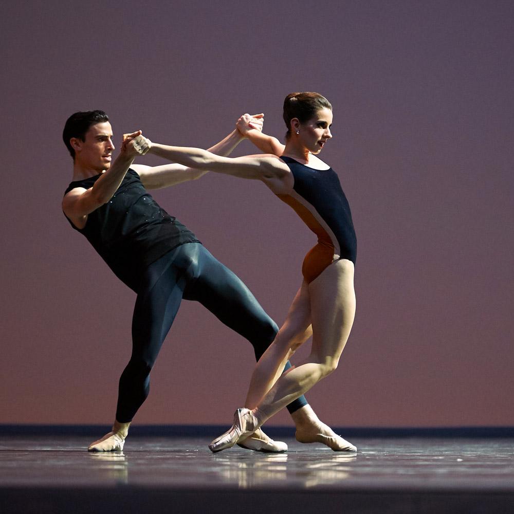 Julia Rowe and Joseph Walsh, of San Francisco Ballet, in Forsythe's <I>PasParts 2016</I>.<br />© Erik Tomasson. (Click image for larger version)