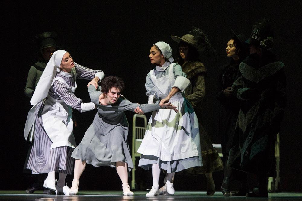 Elizabeth McGorian, Natalia Osipova and Romany Pajdak in Anastasia.© Foteini Christofilopoulou, courtesy the Royal Opera House. (Click image for larger version)
