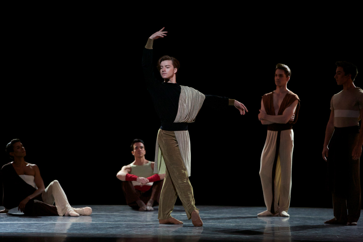 Alban Lendorf in Ratmansky's Serenade after Plato's Symposium.© Marty Sohl. (Click image for larger version)