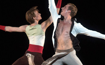 Daniil Simkin and Blaine Hoven in Alexei Ratmansky's Serenade after Plato's Symposium.© Marty Sohl. (Click image for larger version)