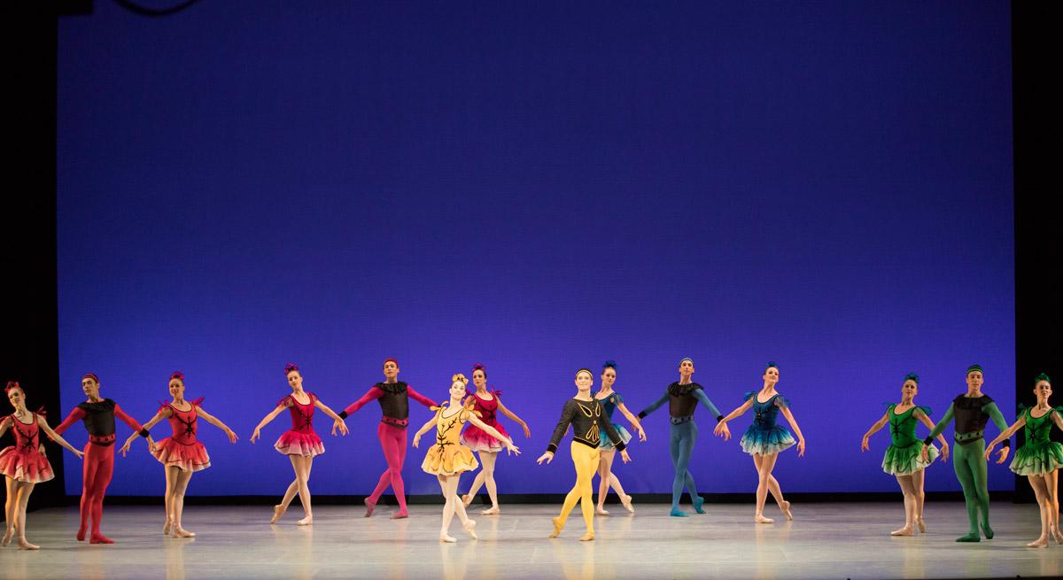Suzanne Farrell Ballet in <I>Danses Concertantes</I>.<br />© Paul Kolnik. (Click image for larger version)