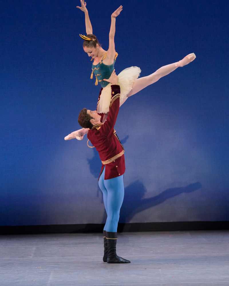 Allynne Noelle and Thomas Garrett in <I>Stars and Stripes</I>.<br />© Paul Kolnik. (Click image for larger version)