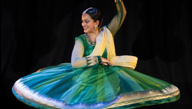 Sonia Sabri in <I>Salaam</I>.<br />© Simon Richardson. (Click image for larger version)