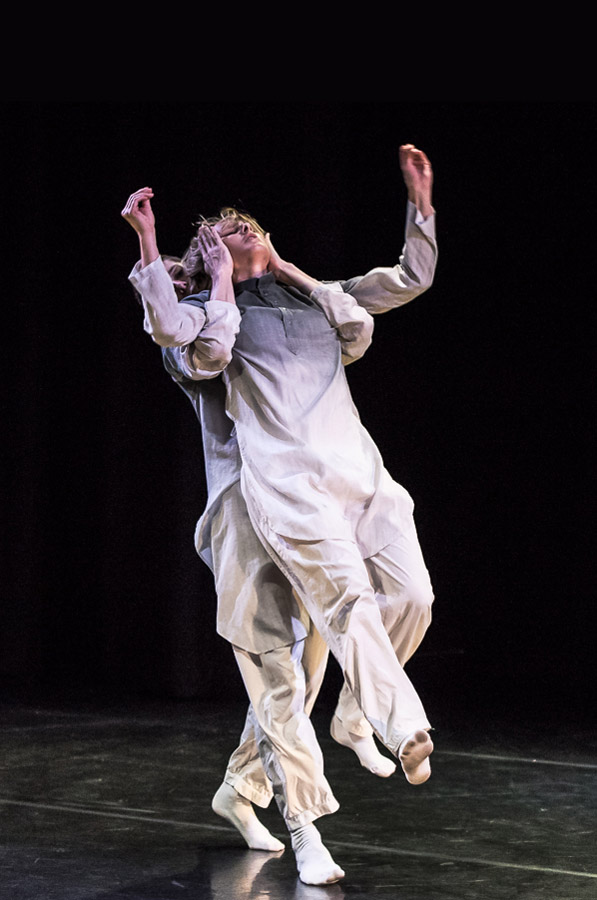 Daniel Davidson and Edit Domoszlai in RIFT by Simone Damberg Würtz.© Stephen Wright. (Click image for larger version)
