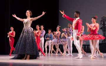 Julie Kent and Washington Ballet.© Theo Kossenas Media 4 Artists. (Click image for larger version)