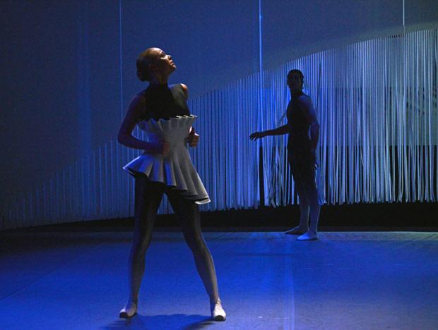 Gina Storm-Jensen in Charlotte Edmonds' <I>Meta</I>.<br />© Dave Morgan, courtesy the Royal Opera House. (Click image for larger version)