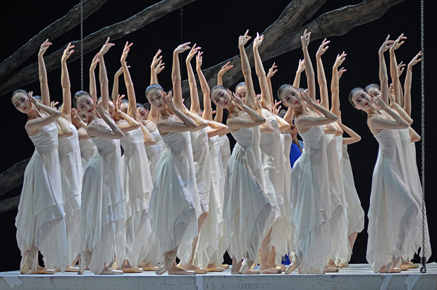 National Ballet of China in <I>The Peony Pavilion</I>.<br />© Dave Morgan. (Click image for larger version)