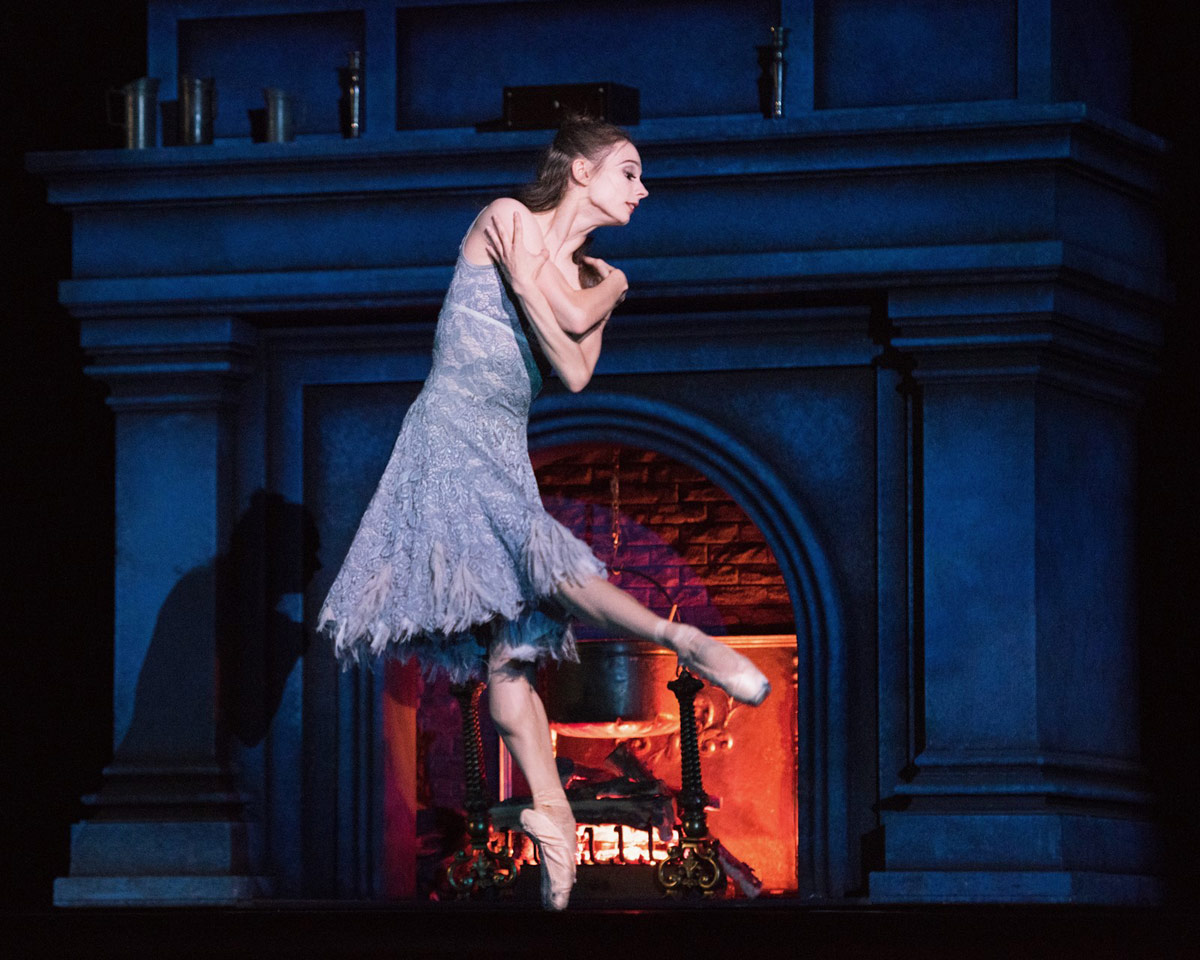 Maria Kochetkova in Cinderella.© Erik Tomasson. (Click image for larger version)