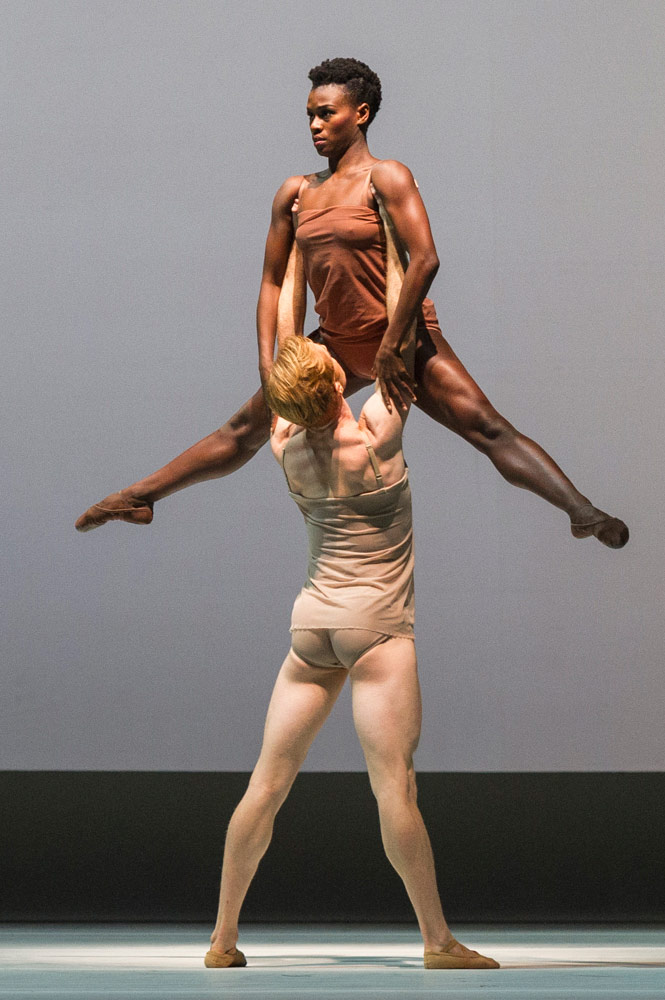 Steven McRae and Rachael McLaren in Wayne McGregor's <I>Chroma</I>.<br />© Foteini Christofilopoulou, courtesy the Royal Opera House. (Click image for larger version)