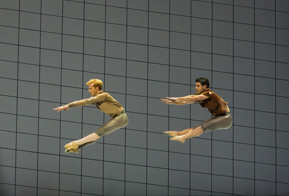 Steven McRae and Paul Kay in Wayne McGregor's <I>Multiverse</I>.<br />© Foteini Christofilopoulou, courtesy the Royal Opera House. (Click image for larger version)