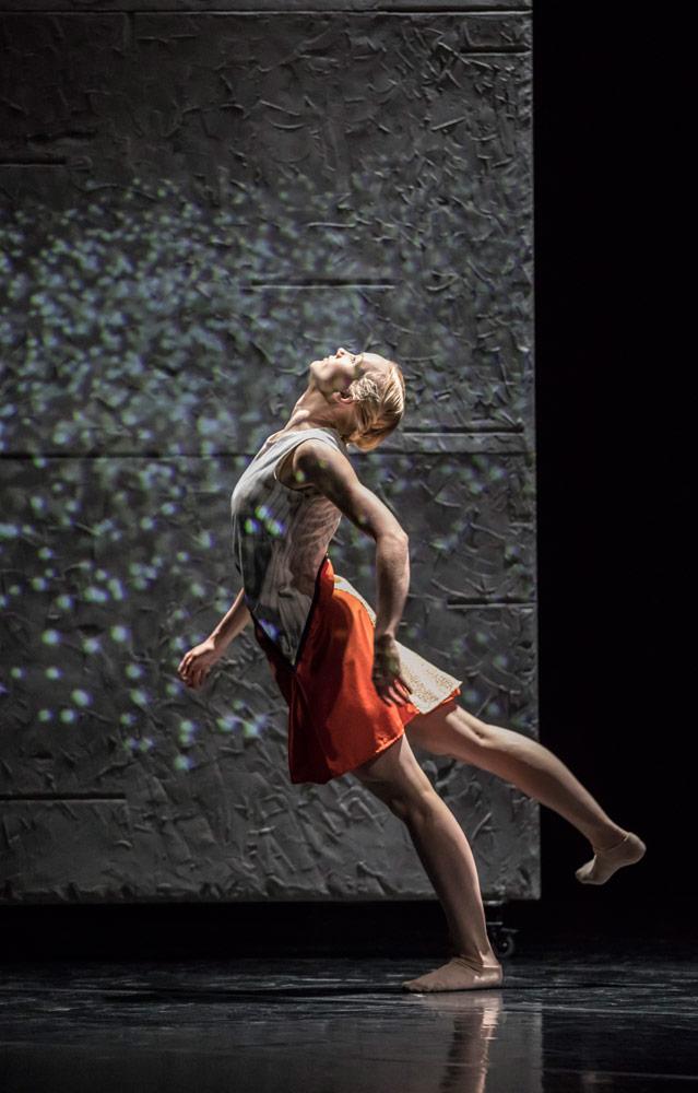 Simone Damberg Wurz in Malgorzata Dzierzon's <I>Flight</I>.<br />© Johan Persson. (Click image for larger version)