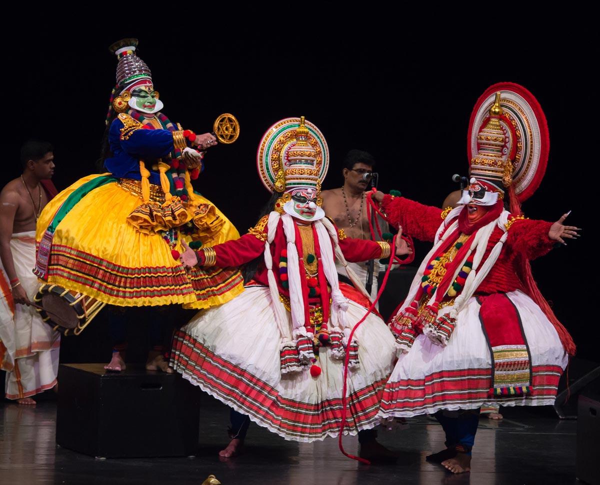 Kerala Kalamandalam in <I>Dussasana Vadhom</I>.<br />© Kevin Yatarola. (Click image for larger version)