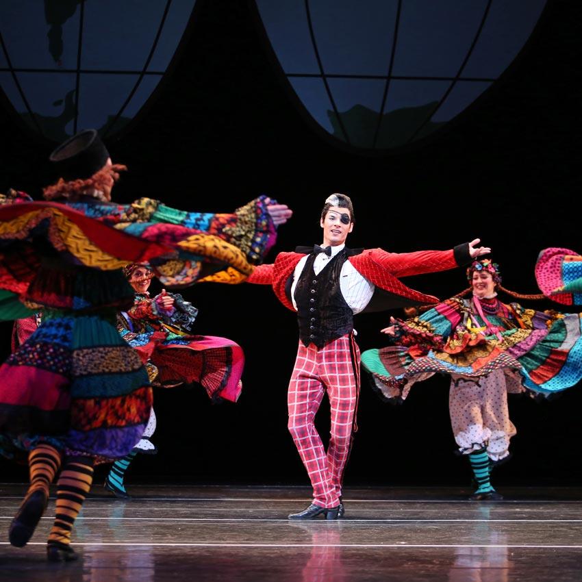Mark Morris Dance Group in <I>The Hard Nut</I>.<br />© Julieta Cervantes. (Click image for larger version)