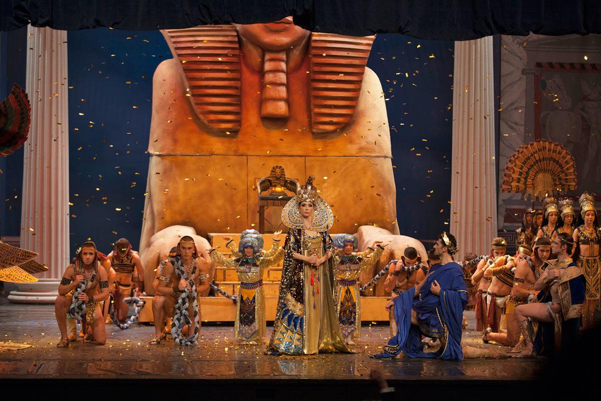 Aleksandra Mijalkova (Cleopatra), Vasil Chichiashvili (Cesar) and Boban Kovachevski (Mark Antony) in Cleopatra.© Macedonian Opera and Ballet. (Click image for larger version)
