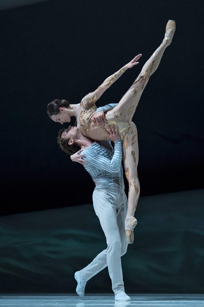 Olga Smirnova and Semyon Chudin in La Belle.© Alice Blangero. (Click image for larger version)