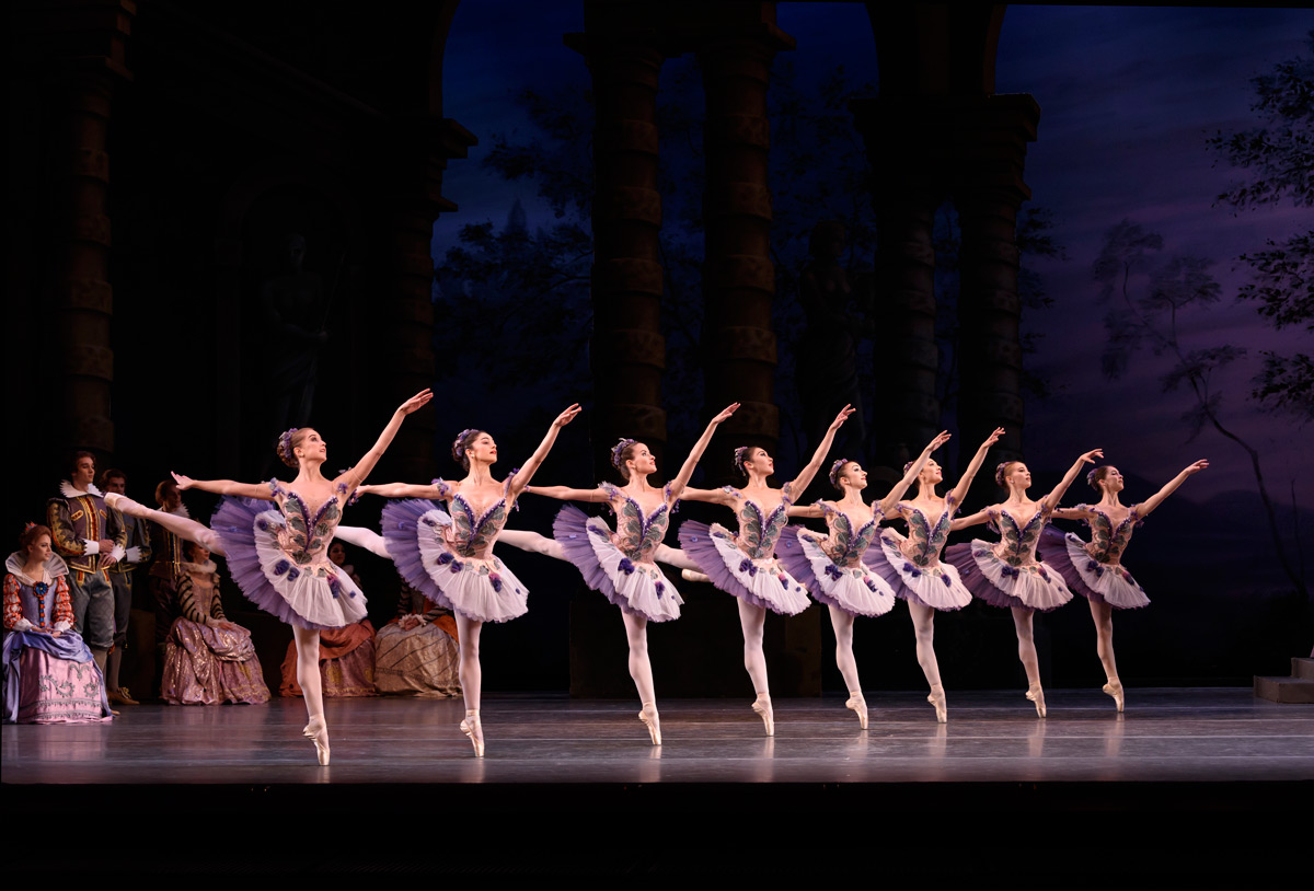 The Royal Ballet in The Sleeping Beauty.© Bill Cooper, courtesy the Royal Opera House. (Click image for larger version)