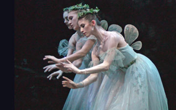 English National Ballet in Giselle.© Dave Morgan. (Click image for larger version)