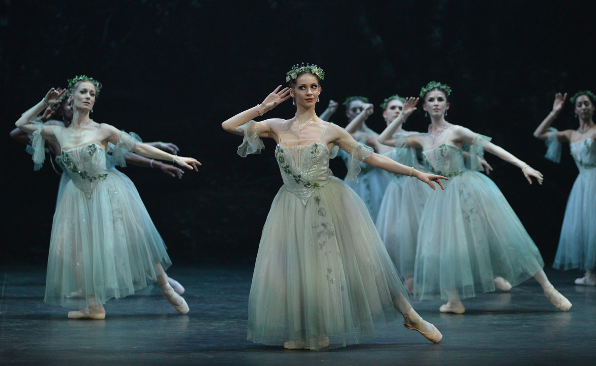 Laurretta Summerscales in Giselle.© Dave Morgan. (Click image for larger version)