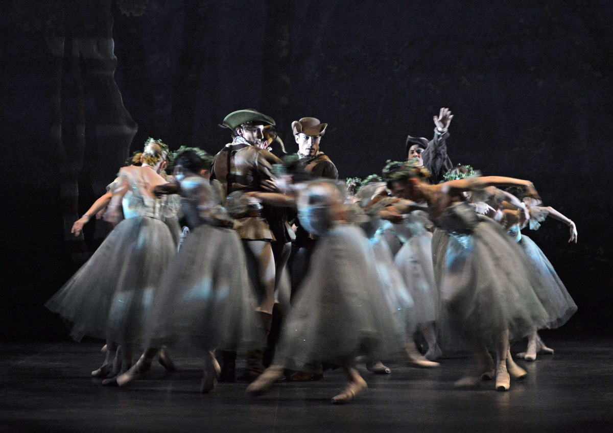 English National Ballet in <I>Giselle</I>.<br />© Dave Morgan. (Click image for larger version)