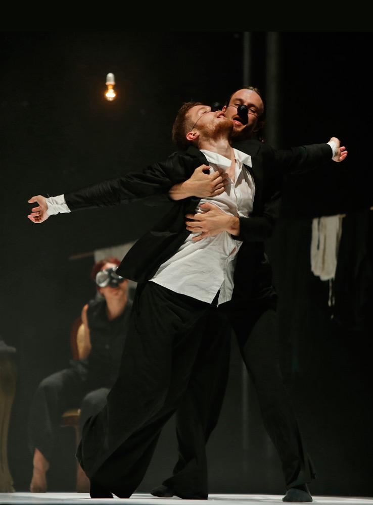 ZfinMalta Dance Ensemble in <I>Home</I> by Mavin Khoo.<br />© Darrin Zammit Lupi. (Click image for larger version)