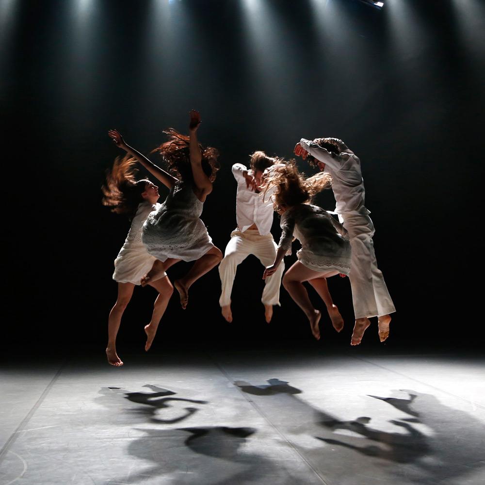 ZfinMalta Dance Ensemble in <I>Stabat Mater</I> by Mavin Khoo.<br />© Darrin Zammit Lupi. (Click image for larger version)