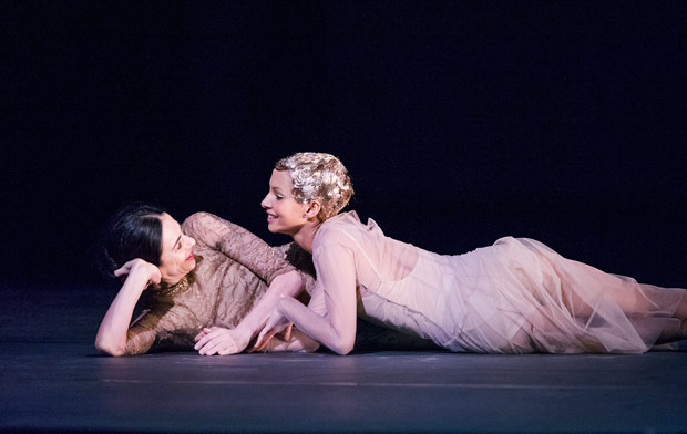 Alessandra Ferri and Francesca Hayward in the <I>I Now, I Then</I> section of <i>Woolf Works</I>.<br />© Tristam Kenton, courtesy the Royal Opera House. (Click image for larger version)