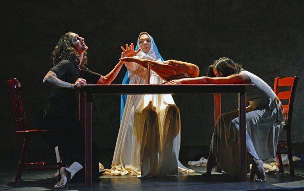 Fabio Dolce, Marivi Da Silva and Antonette Dayrit in Carlos Pons Guerra's <I>O Maria</I>.<br />© Dave Morgan. (Click image for larger version)