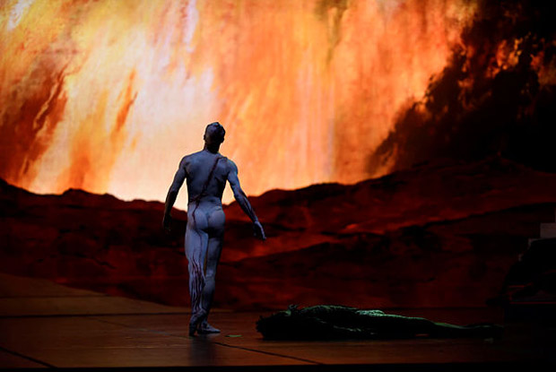 Vitor Luiz in Scarlett's <I>Frankenstein</I>.<br />© Erik Tomasson.