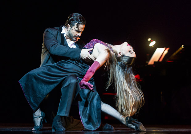 Ezequiel Lopez and Camila Alegre in Germán Cornejo's Tango Fire.<br />© Foteini Christofilopoulou. (Click image for larger version)