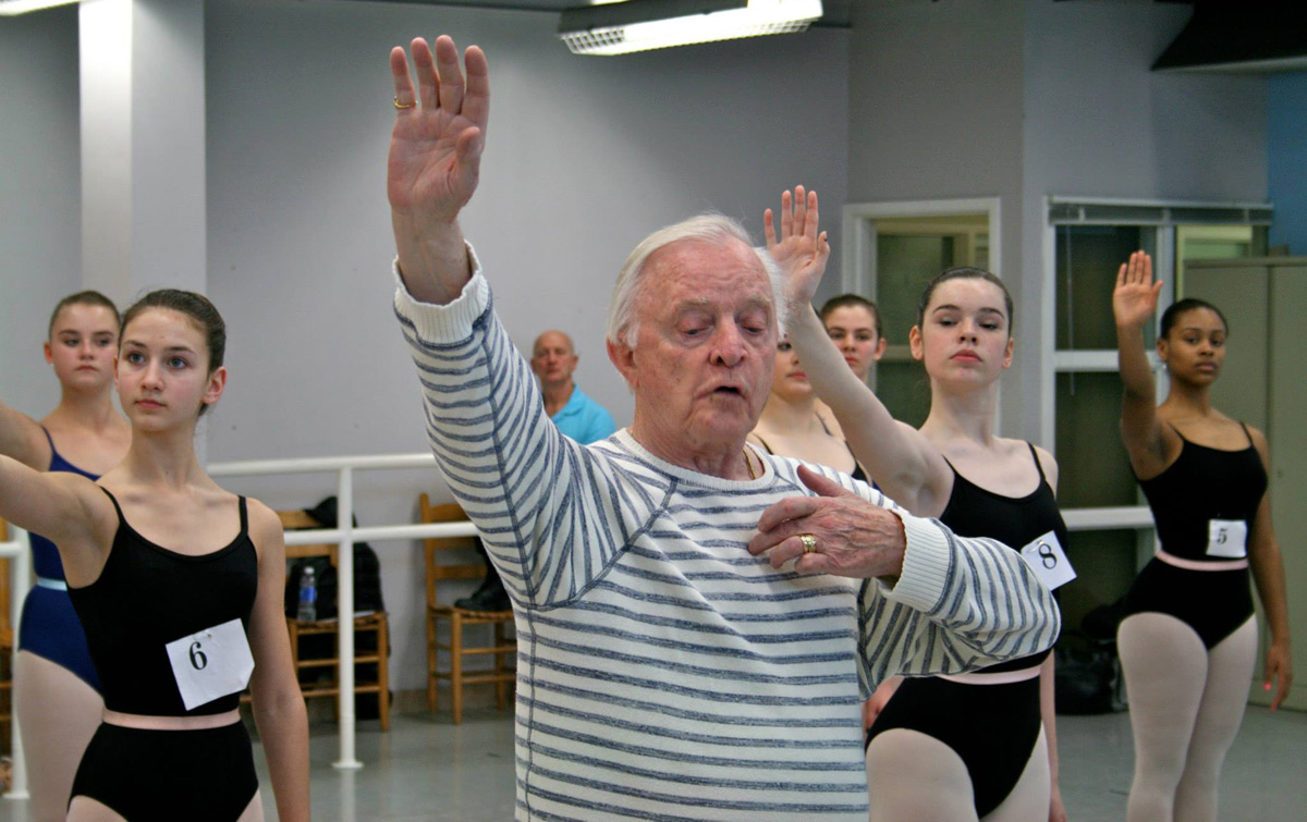 Robert Barnett in the studio, setting Serenade on the Greensboro Ballet dancers.© and courtesy of Greensboro Ballet. (Click image for larger version)