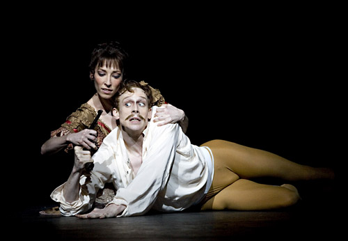 Mara Galeazzi and Edward Watson in Mayerling.© Johan Persson.