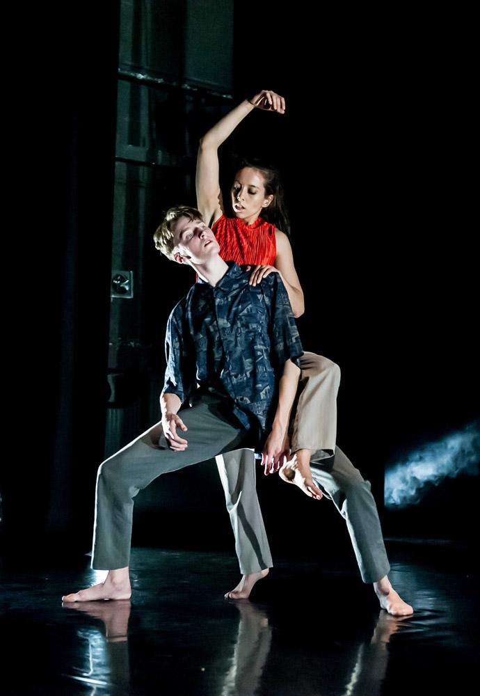 Elisha Hamilton Dance in <I>RETALE</I>.<br />© Lidia Crisafulli. (Click image for larger version)