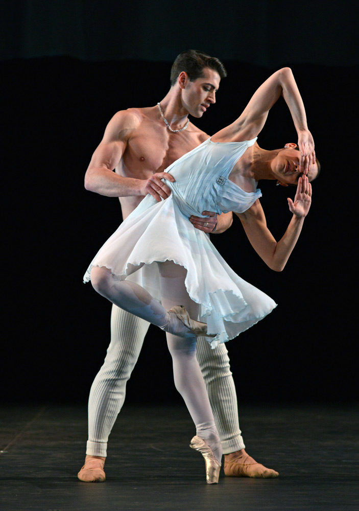 Fernanda Oliveira and James Forbat in Hans van Manen's <I>Adagio Hammerklavier</I>.<br />© Dave Morgan. (Click image for larger version)